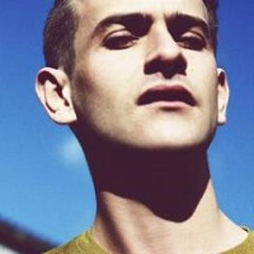 Chanteur Josef Salvat
